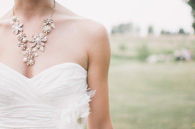 szycie sukni ślubnej
